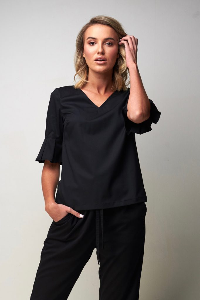 V neck pleat top