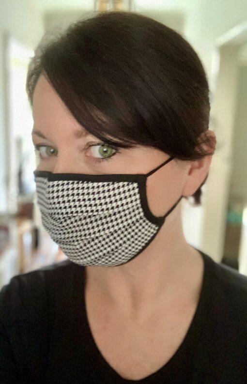 Houndstooth face mask