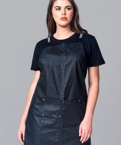 Shorter length zip off apron for hair dressers